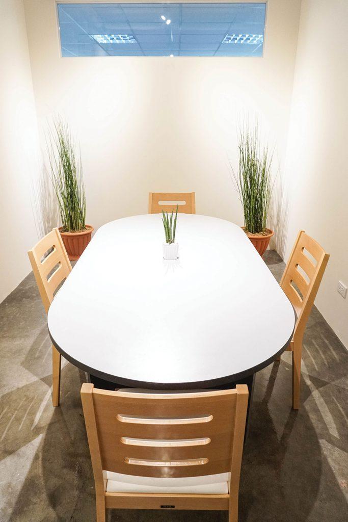 The companyのその他のミーティングルーム