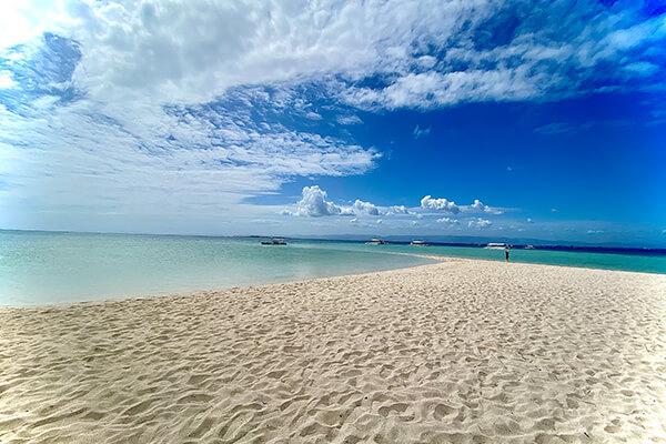 カオハガン島の砂浜