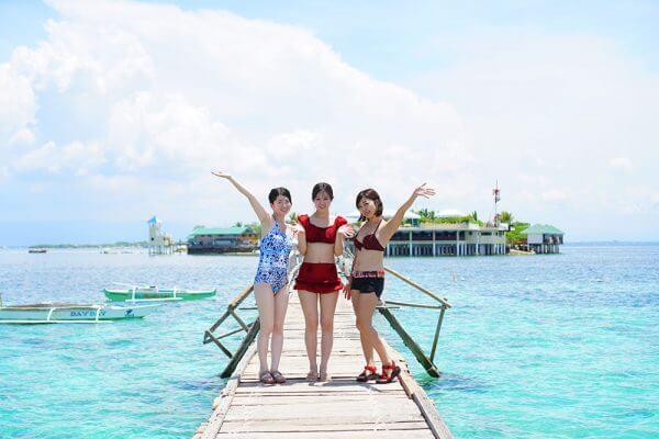 セブ_オプショナルツアー_ナルスアン島_桟橋で撮影