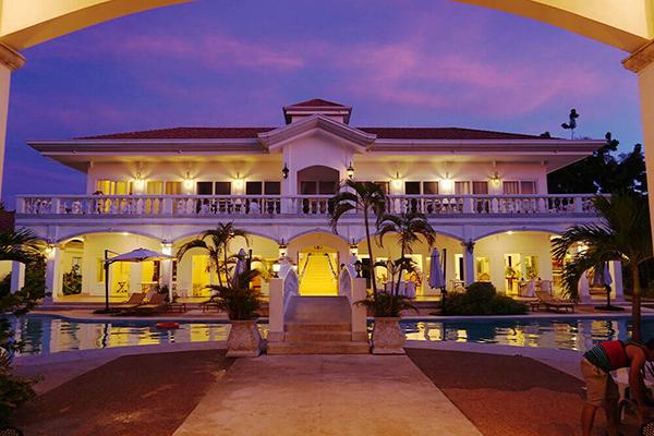 セブ_オプショナルツアー_クルーズ_夜のリゾートホテル
