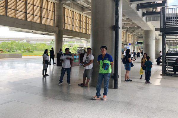 セブ・マクタン国際空港からの移動手段、ターミナル2出口前