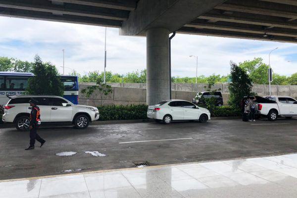 セブ・マクタン国際空港からの移動手段、ターミナル2のGrabピックアップポイント