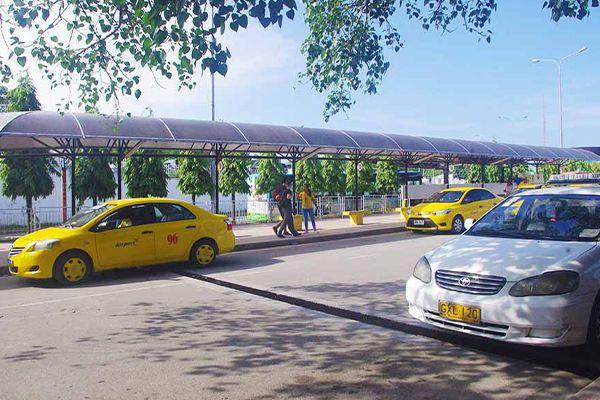 セブ・マクタン国際空港からの移動手段、イエロータクシーと白タクシー