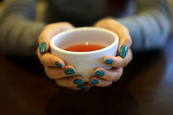 コロナウィルス感染の予防法、温かい飲み物を飲む